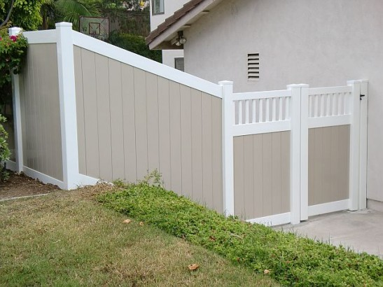 Fence And Landscape Contractor Installing In Orange County